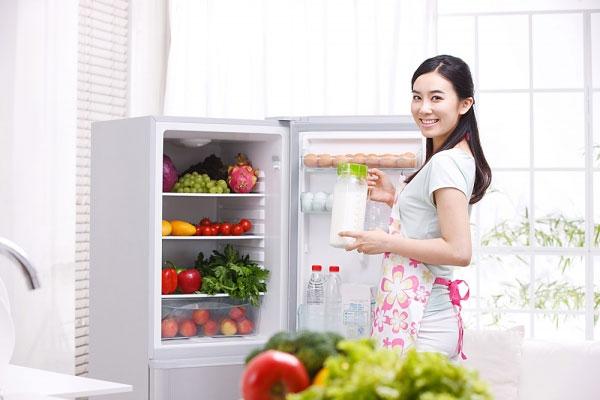 Bí quyết giúp da trắng hồng ngày tết từ thực phẩm trong tủ lạnh
